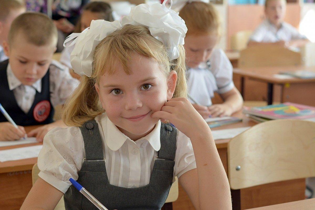 43 педагога и 93 учащихся заболели коронавирусом в Новосибирской области с 1 сентября