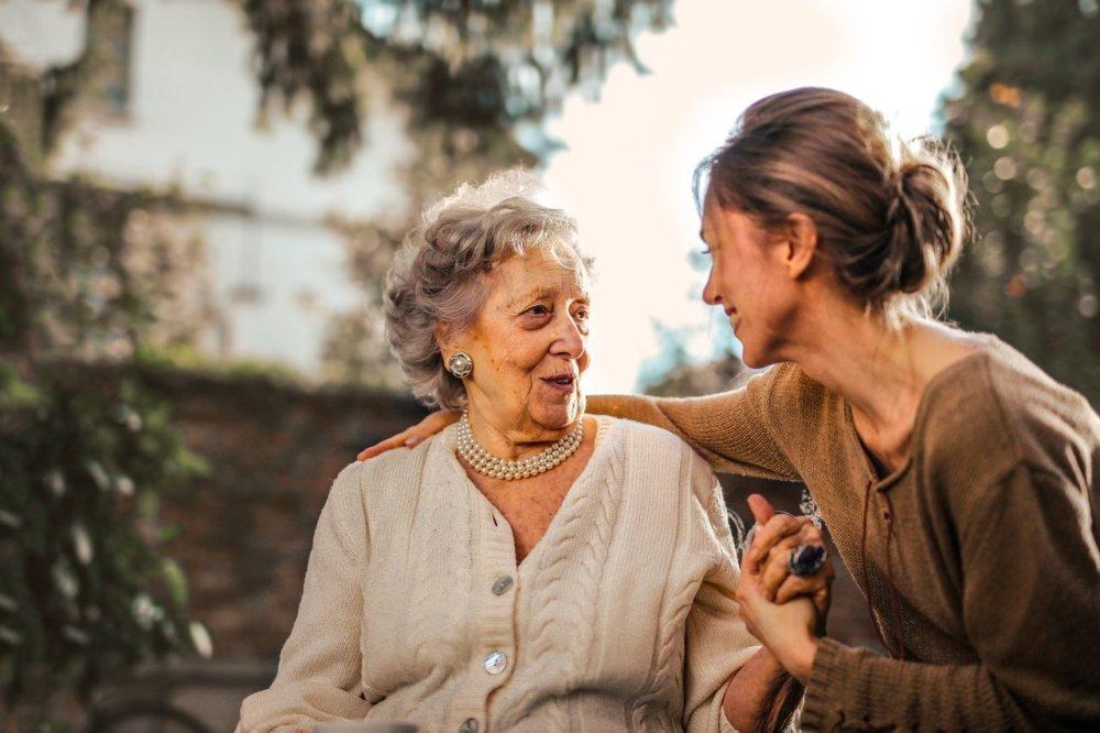 Из-за пандемии жертв деменции пичкают опасными лекарствами