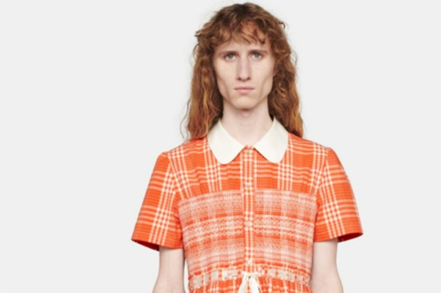 Никогда такого не было, и вот опять: в сети обсуждают мужское платье от Gucci