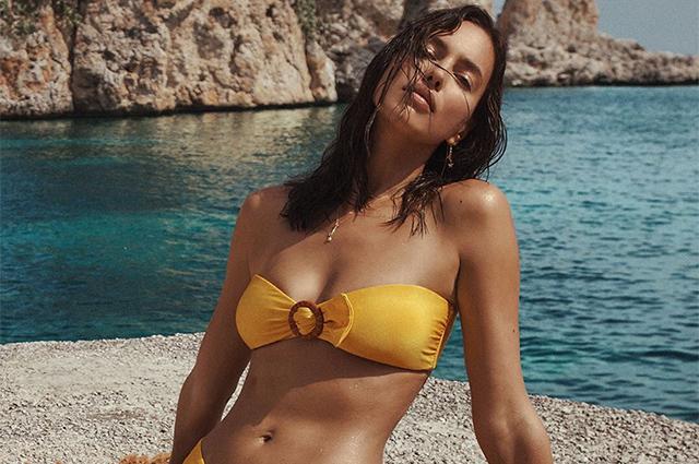 В мечтах о лете: Ирина Шейк позирует в купальниках в рекламе круизной коллекции