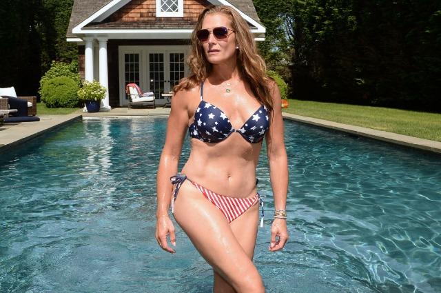 """""""Женщин старше 50 нельзя списывать со счетов"""": Брук Шилдс о фото в бикини и уверенности в себе"""