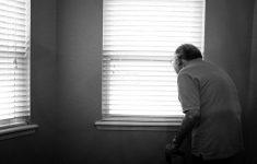 COVID-19 вызывает делирий у каждого третьего пожилого пациента
