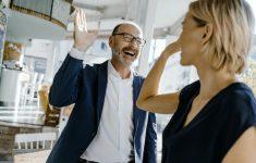 Если коллега — ваш друг: правила субординации
