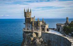 Курортный сезон в Крыму завершится без ковидных паспортов