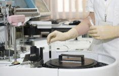 Стало известно об эффективности лекарства от подагры против covid-19